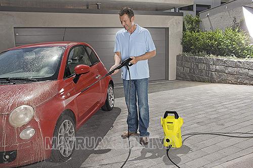 Máy rửa xe Karcher K2 Compact có thiết kế đẹp, hiệu năng tốt