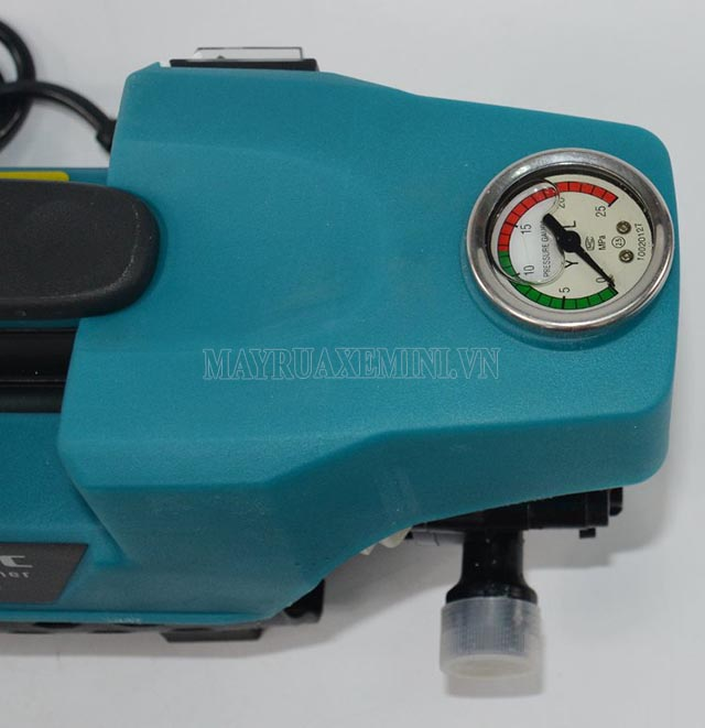 Classic CLA-1200 với đồng hồ hiển thị áp lực tiện lợi