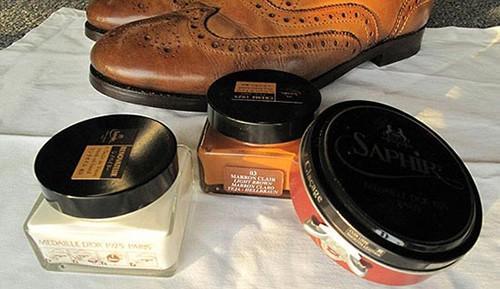 Cách chọn xi đánh giày phù hợp với đôi giày