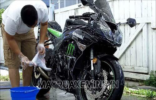 rửa xe nhiều có tốt không
