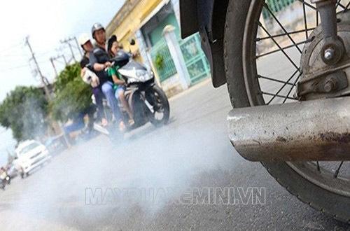 xe máy bị ra khói trắng
