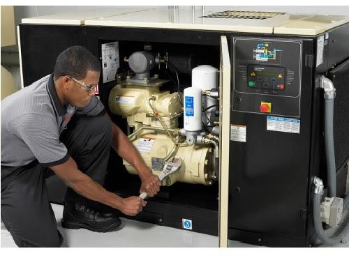 Lắp lại các chi tiết máy nén khí sau khi thay dầu