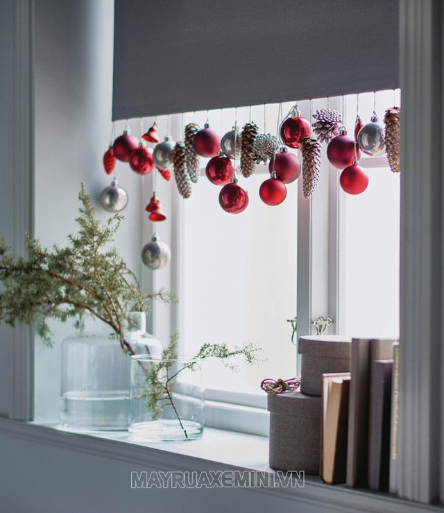 Trang trí cửa sổ đón Giáng sinh