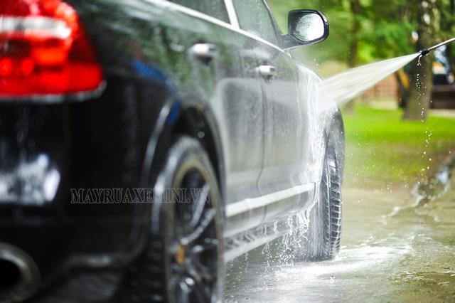 Máy phun rửa xe Lutian