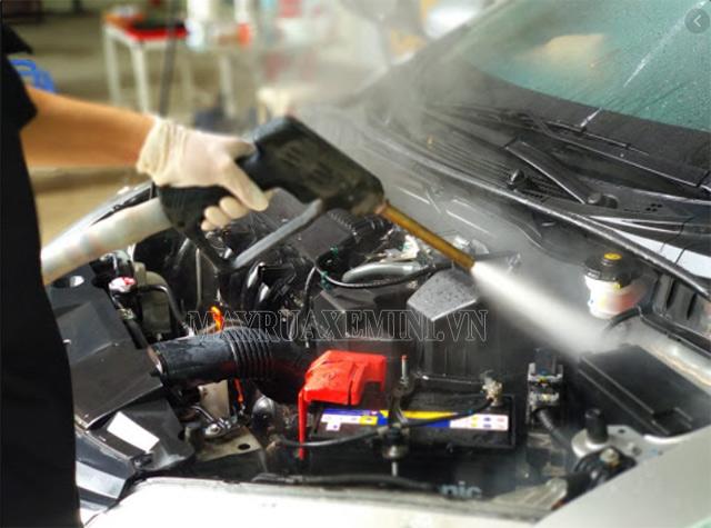 Máy phun xịt rửa xe nước nóng