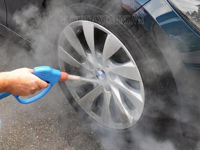 Máy xịt rửa xe hơi nước nóng